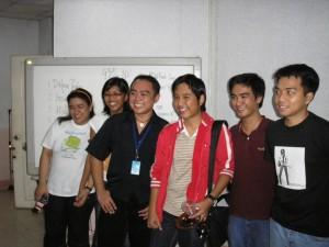 Shari, Sarah, Martin, Bikoy, Ederic, at Mong ng Bloggers' Kapihan Crew